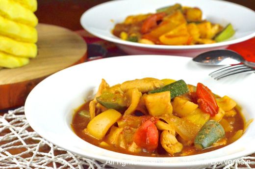 Pad Priew Wan Gai, Thai Sweet and Sour stir-fry with Chicken 1